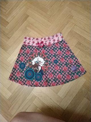 falda niña desigual