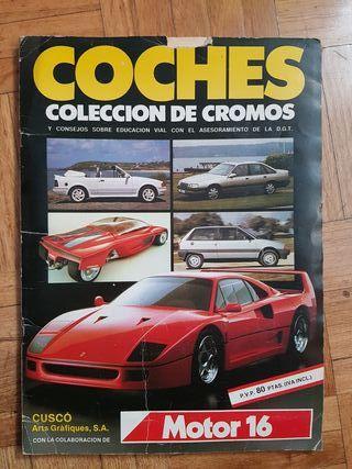 Álbum de cromos antiguos de coches