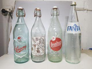 Botellas de gaseosas antiguas serigrafiadas