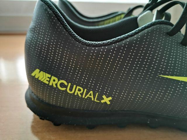 61a8d99723568 Botas fútbol multitaco. Nike. CR7. Nro. 42 de segunda mano por 15 ...