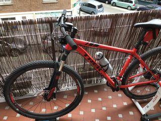 Bicicleta MTB Trek