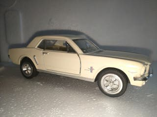 Ford Mustang 1964 Escala 1/36 KINSMART