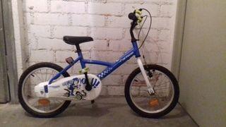 Bicicleta infantil ( 5 años de edad aprox )