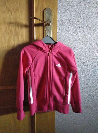 Chaqueta Adidas niña de segunda mano por 7 € en Zaragoza en