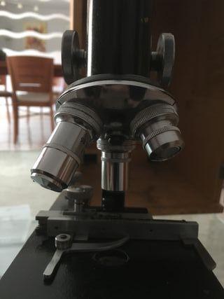 microscopio antiguo CAJAL 1499 y cuerpo del 675