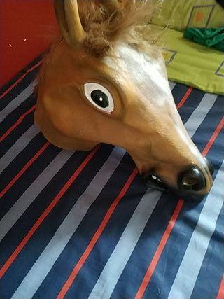 mascara de caballo para usar