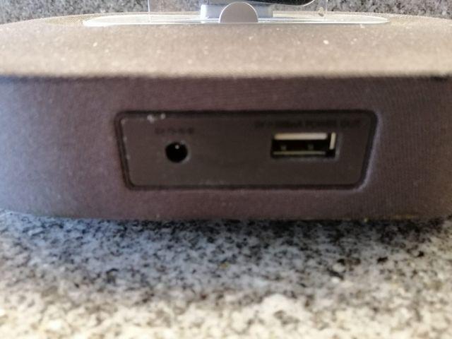 IPhone + cargador/altavoz Philips
