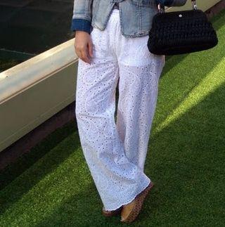 pantalón blanco largo brocado