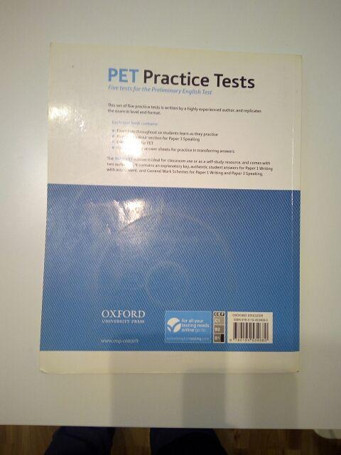 PET practice tests de segunda mano por 6 € en Barcelona en WALLAPOP
