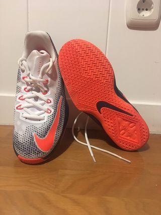 Zapatillas de baloncesto Nike sin usar