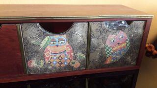 Mueble cajonera madera decoupage buhos