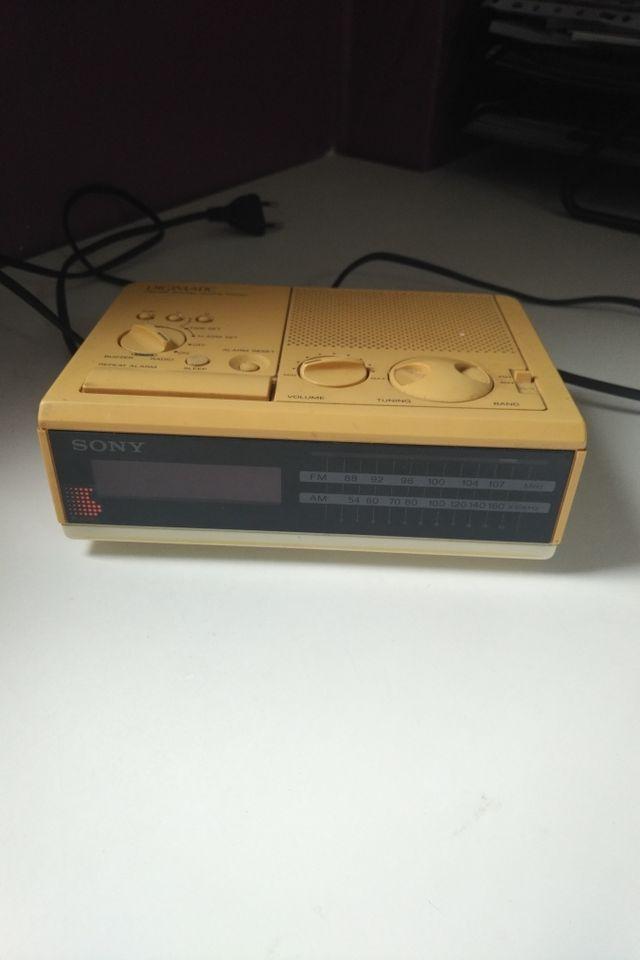 Radio despertador Sony Vintage