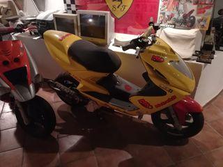 Yamaha Aerox Metrakit 80cc para competición
