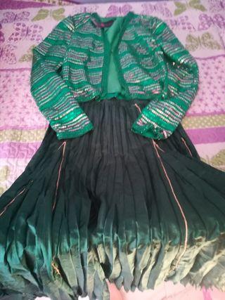 Falda larga y torera de lentejas