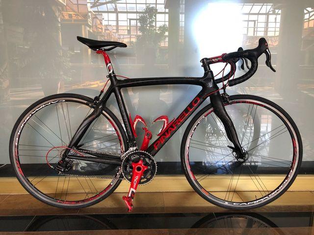 Bicicleta carbono carretera PINARELLO.