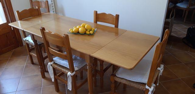 Mesa y sillas para cocina de segunda mano por 400 € en Selva en WALLAPOP