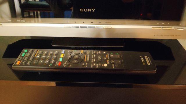 Sony DVD Home Theater System DAV-F200