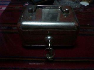 caja fuerte con llave