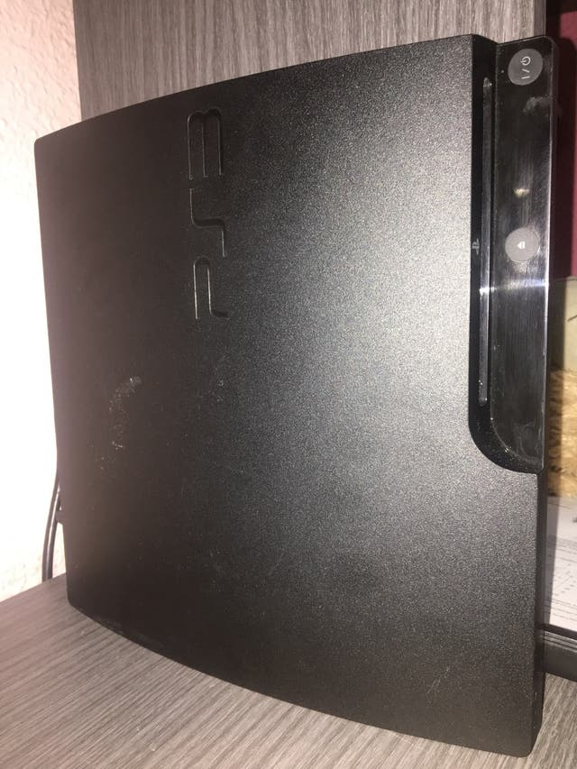 Ps3/ play station 3 slim 500gb ampliable