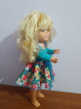 muñeca Helen de famosa