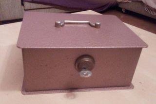 Caja fuerte portátil con llave