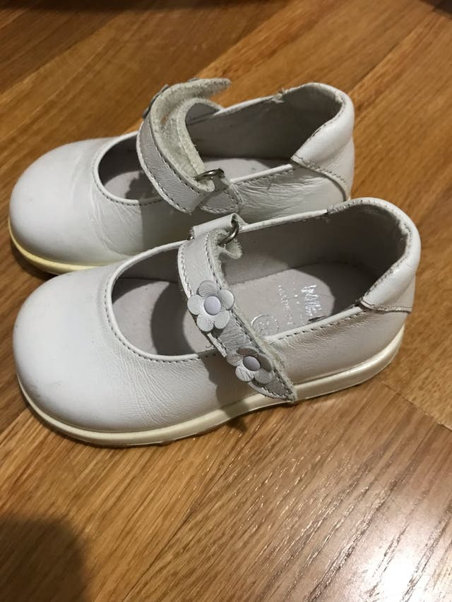3f301791 Zapatos niña número 20 de segunda mano por 10 € en L'Hospitalet de ...