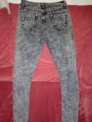 pantalón baquero tonos grises