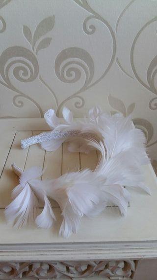 Diadema plumas primera comunión