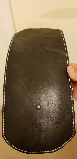 Corbata Sportster para cubrir centralita