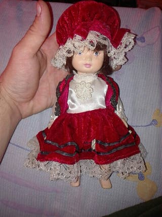 Muñecas de porcelana de coleccion