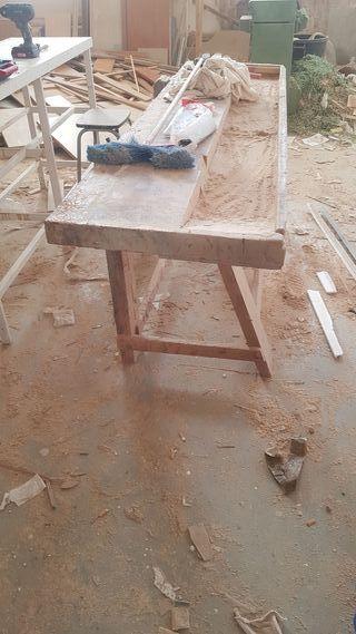 banco carpintero muy antiguo