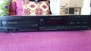 CD player Luxman D112