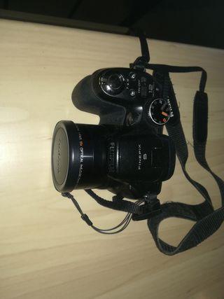 Fujifilm FunePix S1800 Digital Camera