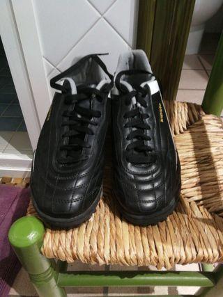 botas multitaco futbol