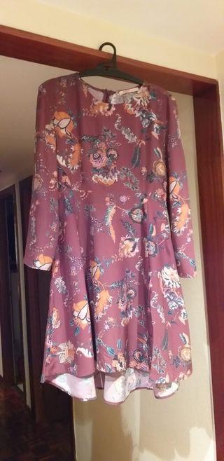 Vestido de flores ajustado.Talla M