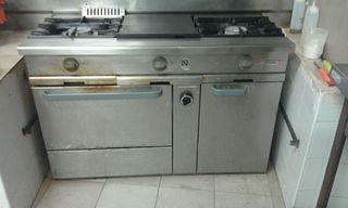 cocina gas con horno y todo de restaurante