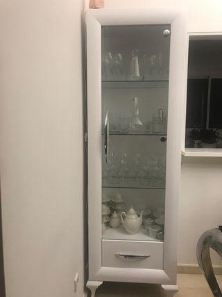 vitrina y aparador blanco