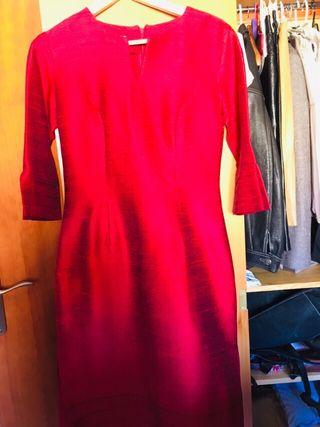 Vestido rojo de seda