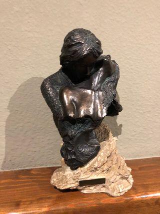 Figura de pareja en bronce ,artista Carosa Disseny