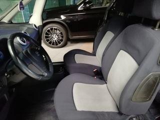 Peugeot 1007 2005