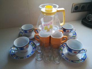 lote de tazas jarra y vasos de chupito