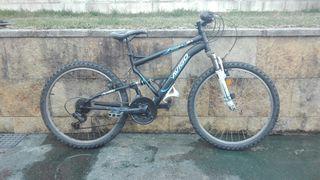 Bicicleta Montaña. BTT.