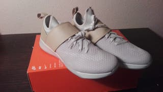 nike lab air zoom strong