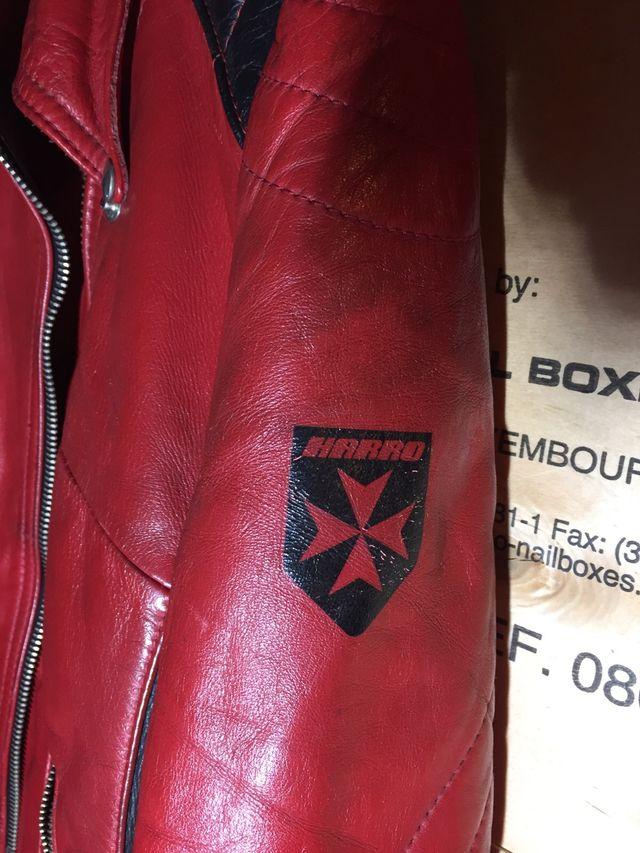 Chupa Vintage de cuero roja//negra