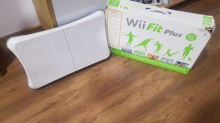 Wii + 2 mandos + tabla wii + 2 nunchuks + juegos
