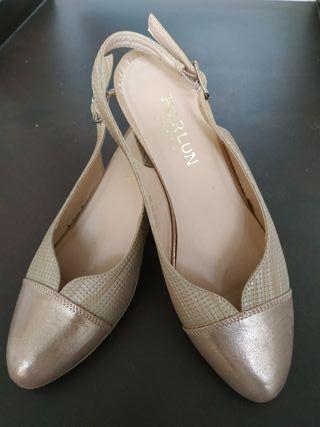 zapatos dorados numero 39