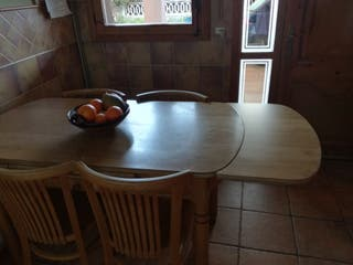 Mesa extensible cocina y cuatro sillas