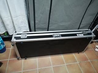 Flight case 88 teclas con ruedas perfecto estado