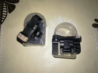 Dos pares de gatillos para acoplar el móvil