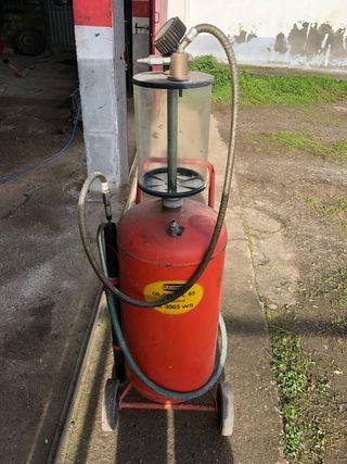 Maquina de aspirar aceite